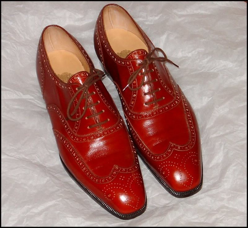 Red Brogues by Dimitri Gomez Bottier
