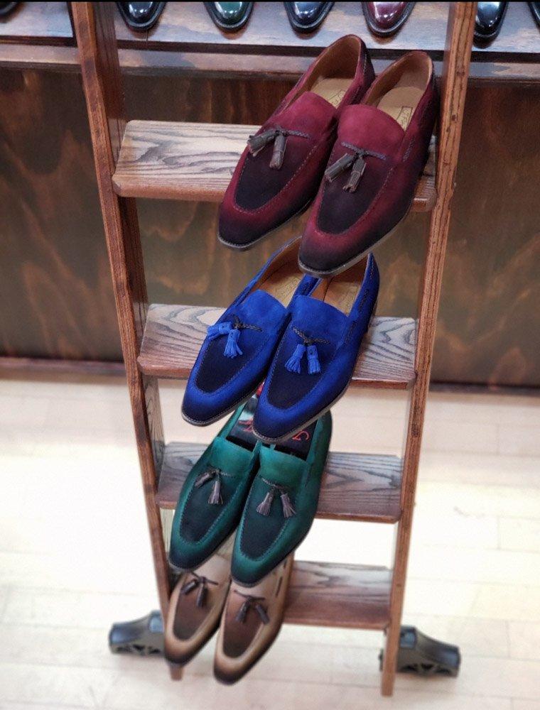 Understanding Shoe Colors Online, and Lighting