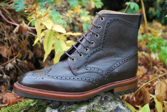 5 Essential Shoes For Winter